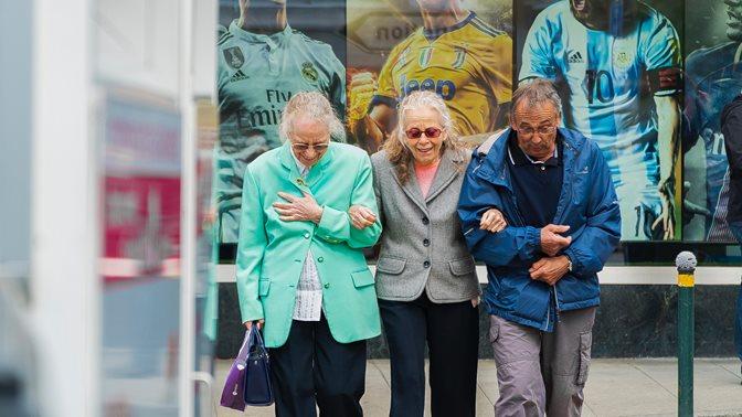 Ältere Menschen in Genf